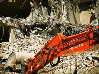 とび・土工工事業の許可で解体工事業を営んでいる方はご確認ください